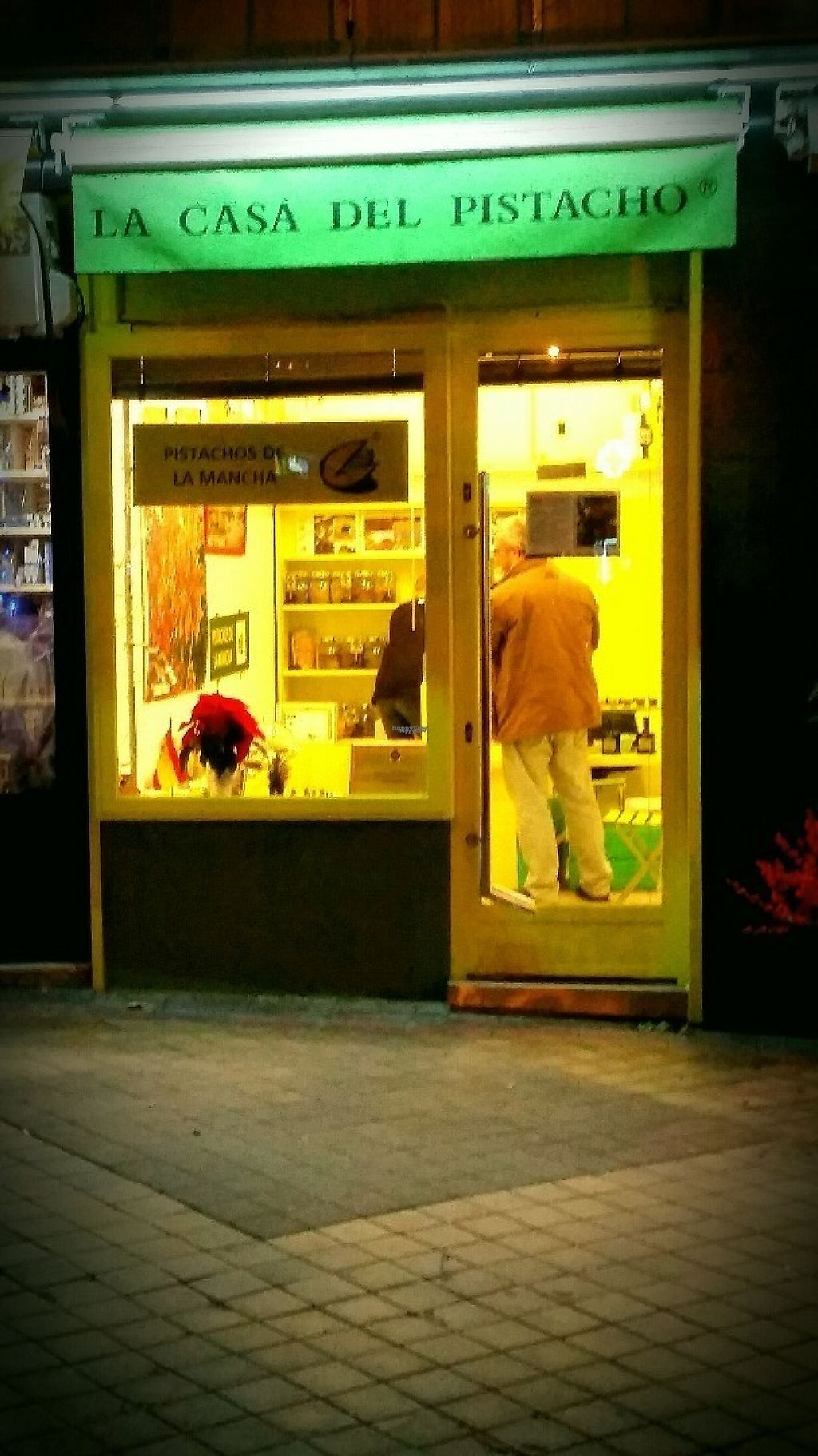"""Photo of La Casa del Pistacho  by <a href=""""/members/profile/MMCM"""">MMCM</a> <br/>View of the shop from Calle Potosi <br/> December 10, 2016  - <a href='/contact/abuse/image/82695/198878'>Report</a>"""