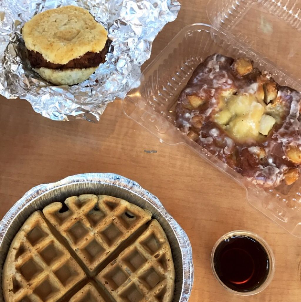 "Photo of CLOSED: The Southern V  by <a href=""/members/profile/Chris24Michel"">Chris24Michel</a> <br/>Hot chickn biscuit, apple fritter and waffle w maple syrup <br/> January 31, 2017  - <a href='/contact/abuse/image/82701/220364'>Report</a>"