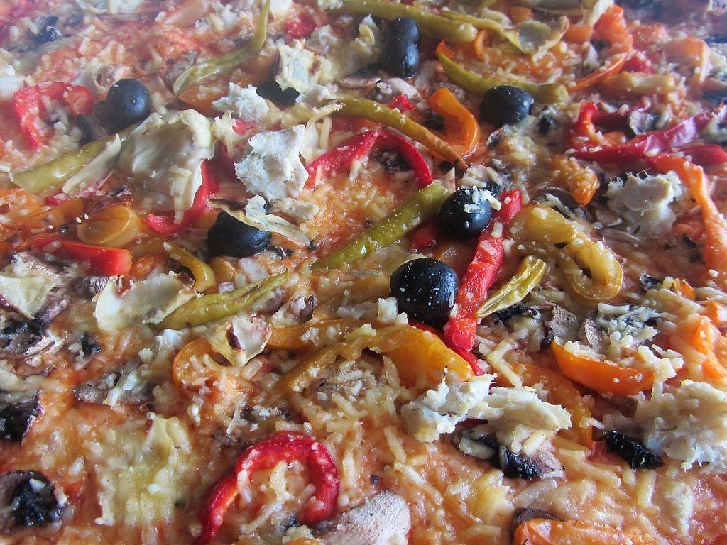 "Photo of Al Bacio Ristorante Pizzeria  by <a href=""/members/profile/VegiAnna"">VegiAnna</a> <br/>Pizza alla Chef with home-brought vegan cheese <br/> November 13, 2016  - <a href='/contact/abuse/image/82733/189806'>Report</a>"