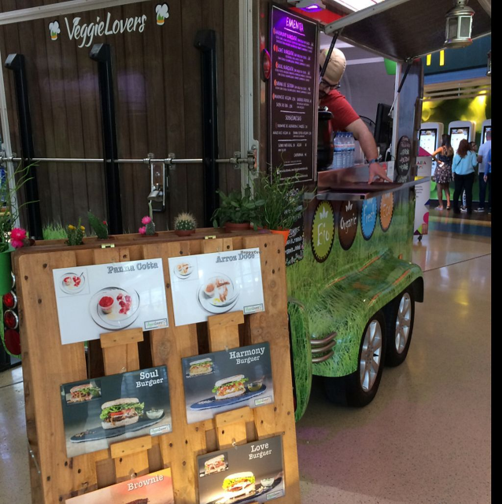 "Photo of Veggie Lovers Truck  by <a href=""/members/profile/veganlieu"">veganlieu</a> <br/>veggie lovers truck  <br/> May 7, 2017  - <a href='/contact/abuse/image/82801/256908'>Report</a>"