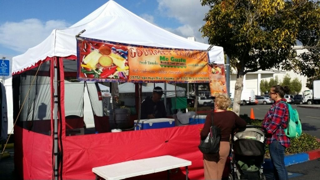 "Photo of Farmer's Market - Midtown  by <a href=""/members/profile/catbone"">catbone</a> <br/>'Hot Meal' Vendors <br/> February 18, 2016  - <a href='/contact/abuse/image/8282/136764'>Report</a>"