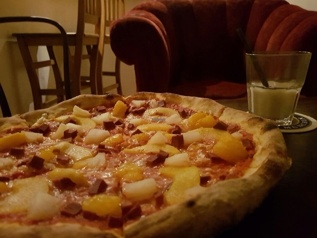 "Photo of Graciarnia  by <a href=""/members/profile/PurpleGoat"">PurpleGoat</a> <br/>Vegan Antipodi Pizza (vegan cheese, ham, pineapple, mandarin, and peaches) with a vegan White Russian (almond milk, vodka, and kahlua) <br/> December 20, 2016  - <a href='/contact/abuse/image/82838/203203'>Report</a>"
