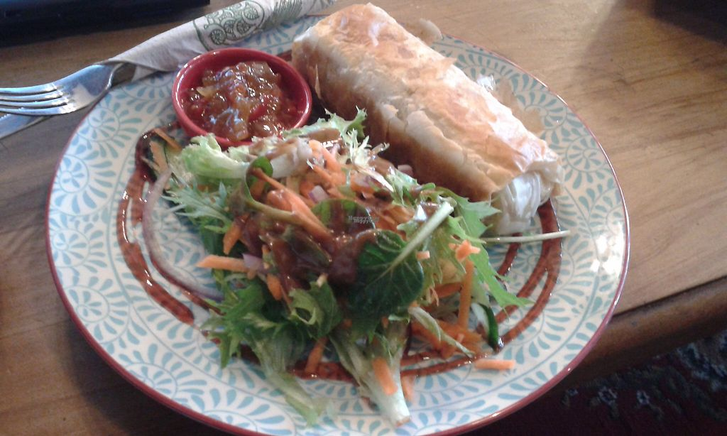 "Photo of Grindz Cafe  by <a href=""/members/profile/citizenInsane"">citizenInsane</a> <br/>Grindz Cafe, tofu & mushroom filo pastry with a salad and some chutney <br/> November 19, 2016  - <a href='/contact/abuse/image/82844/191970'>Report</a>"