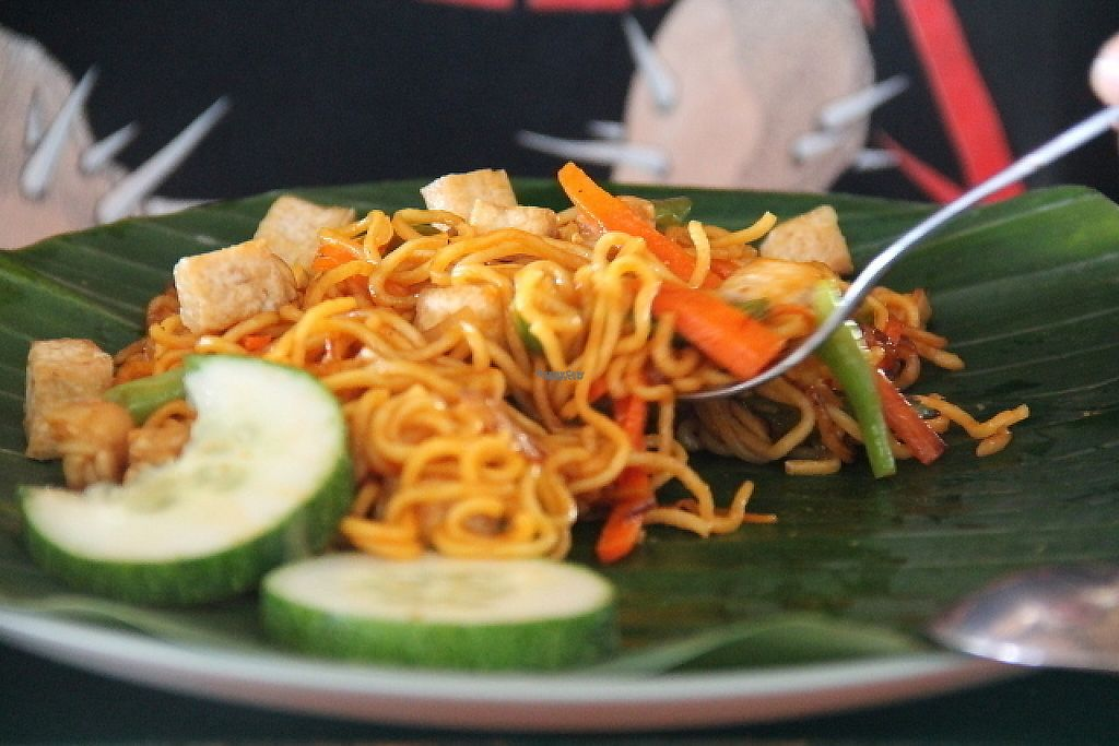 """Photo of Bale Sampan  by <a href=""""/members/profile/reissausta%20ja%20ruokaa"""">reissausta ja ruokaa</a> <br/>Mie goreng, which is fried noodles. Ask them vegetarian and with no egg and no krupuk (crackers, that are made of flour and shrimps).  <br/> November 23, 2016  - <a href='/contact/abuse/image/82873/193558'>Report</a>"""