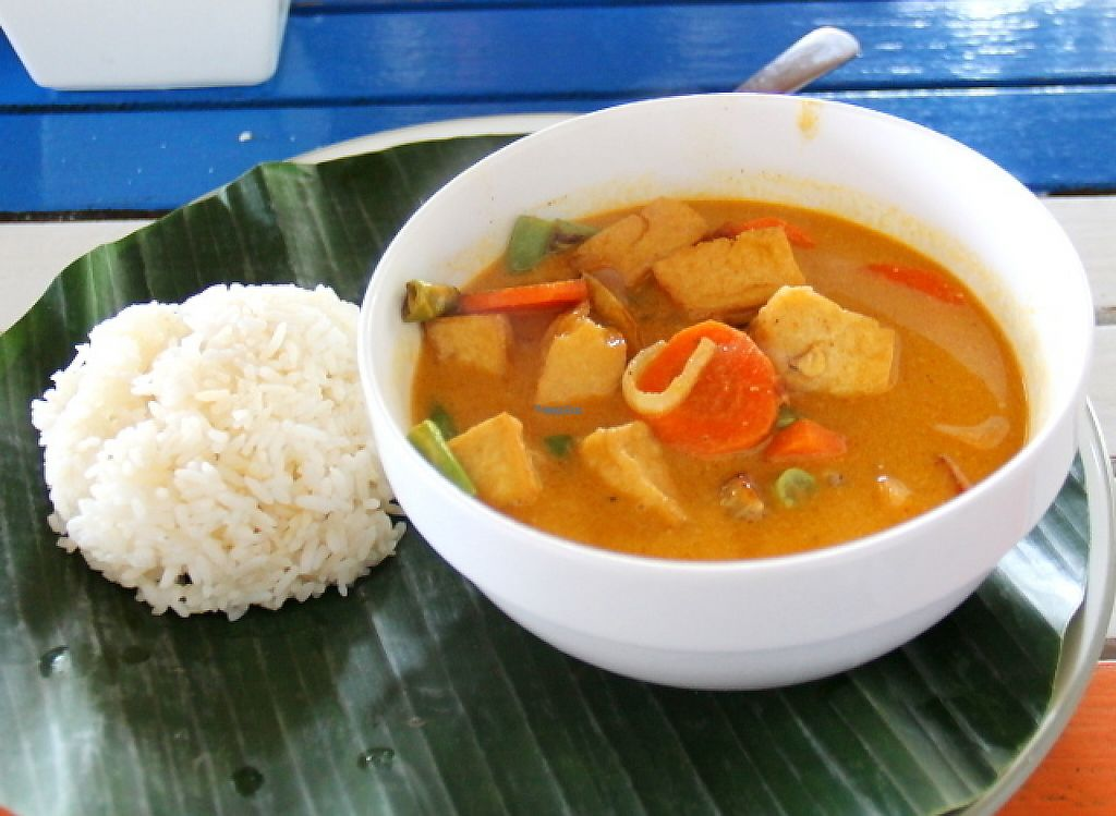 """Photo of Bale Sampan  by <a href=""""/members/profile/reissausta%20ja%20ruokaa"""">reissausta ja ruokaa</a> <br/>Tofu curry.  <br/> November 23, 2016  - <a href='/contact/abuse/image/82873/193559'>Report</a>"""