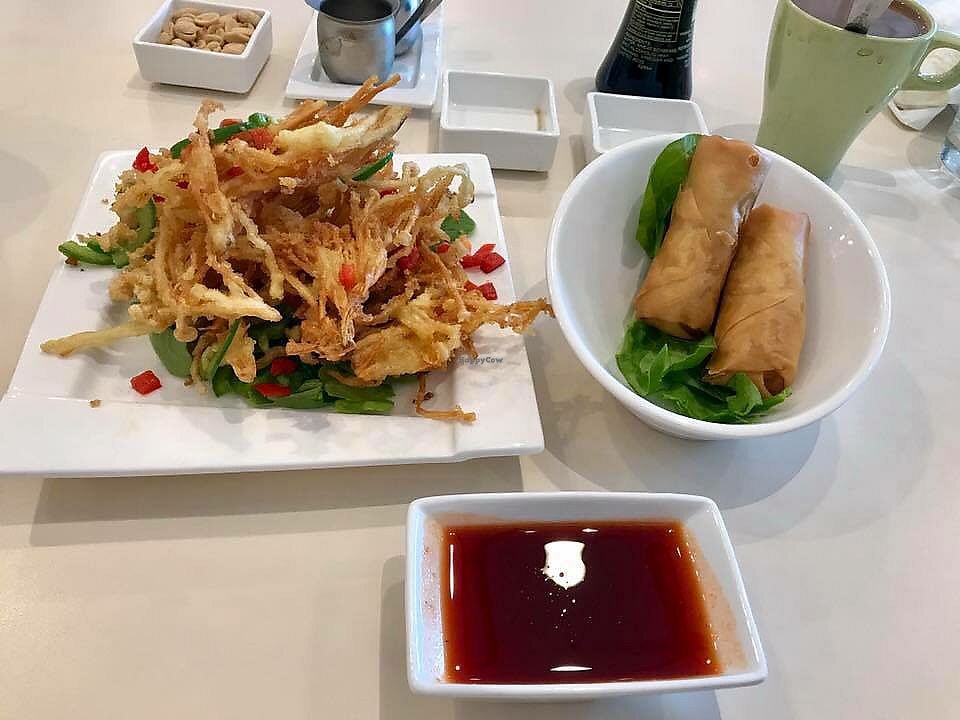 """Photo of VeGreen  by <a href=""""/members/profile/melissapedroso"""">melissapedroso</a> <br/>Enoki mushrooms and spring rolls <br/> October 30, 2017  - <a href='/contact/abuse/image/82970/320192'>Report</a>"""