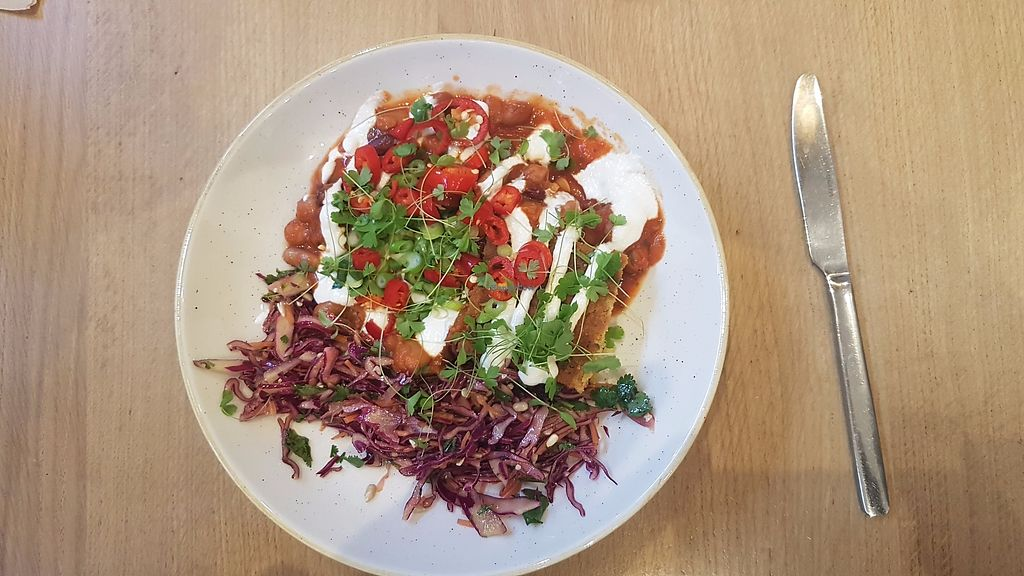 "Photo of Deliciously Ella - Weighhouse  by <a href=""/members/profile/kennyp353"">kennyp353</a> <br/>Outstanding presentation of my vegan chilli <br/> November 13, 2017  - <a href='/contact/abuse/image/82980/325326'>Report</a>"