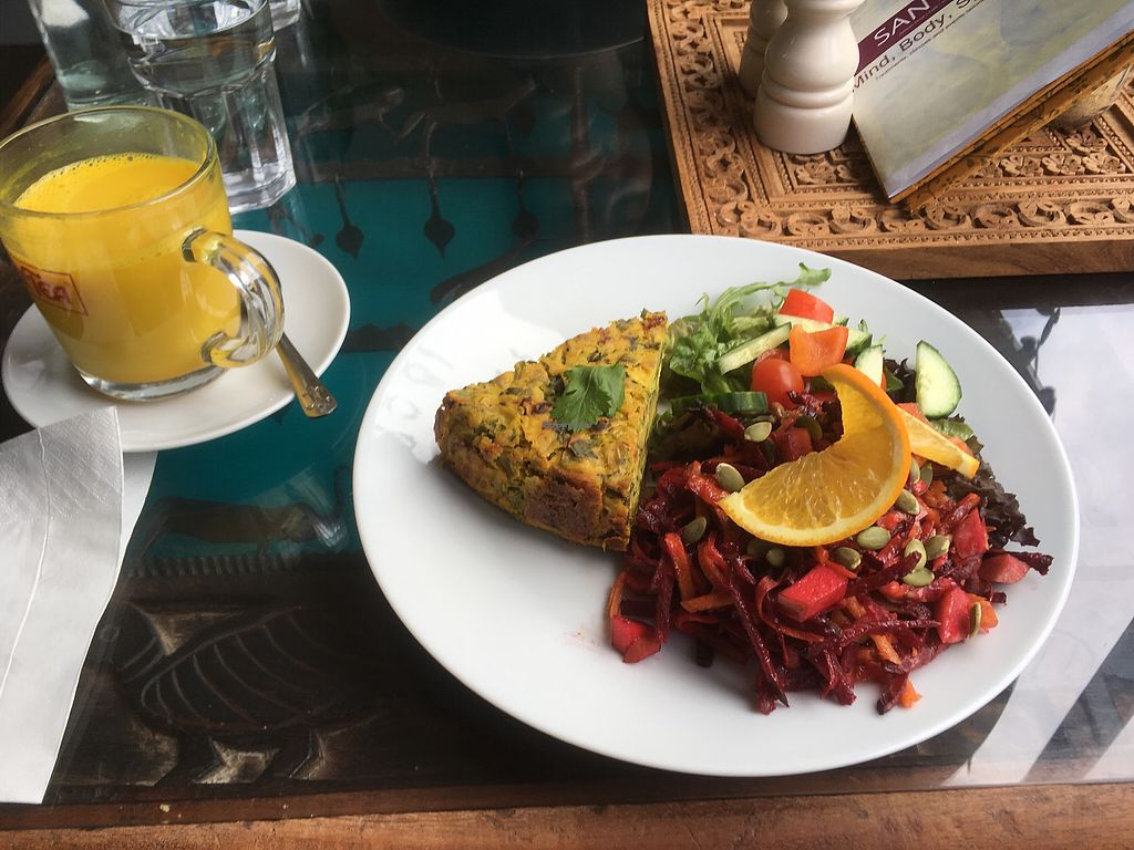 """Photo of Santosa Cafe  by <a href=""""/members/profile/NickKassam"""">NickKassam</a> <br/>Vegan quiche, superfoods salad, hot coconut milk with tumeric <br/> July 29, 2017  - <a href='/contact/abuse/image/82999/286159'>Report</a>"""
