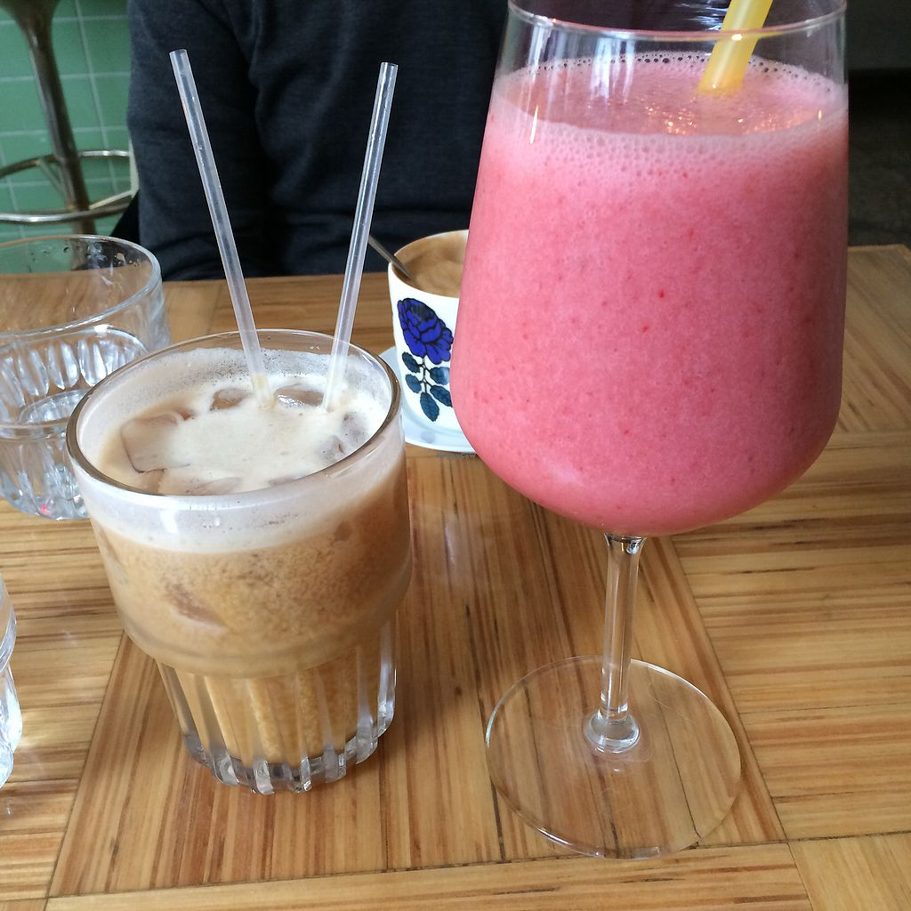 """Photo of Kohvik August  by <a href=""""/members/profile/Veg_Anu"""">Veg_Anu</a> <br/>Ice latte with almond milk and smoothie <br/> June 27, 2017  - <a href='/contact/abuse/image/83040/274039'>Report</a>"""
