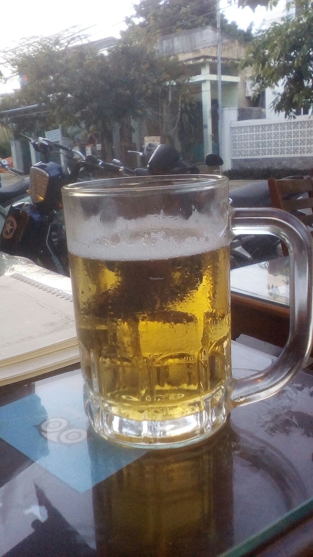 """Photo of Minh Hien 2  by <a href=""""/members/profile/turnvegan"""">turnvegan</a> <br/>Fresh beer for 5k dongs <br/> July 20, 2017  - <a href='/contact/abuse/image/83119/282420'>Report</a>"""