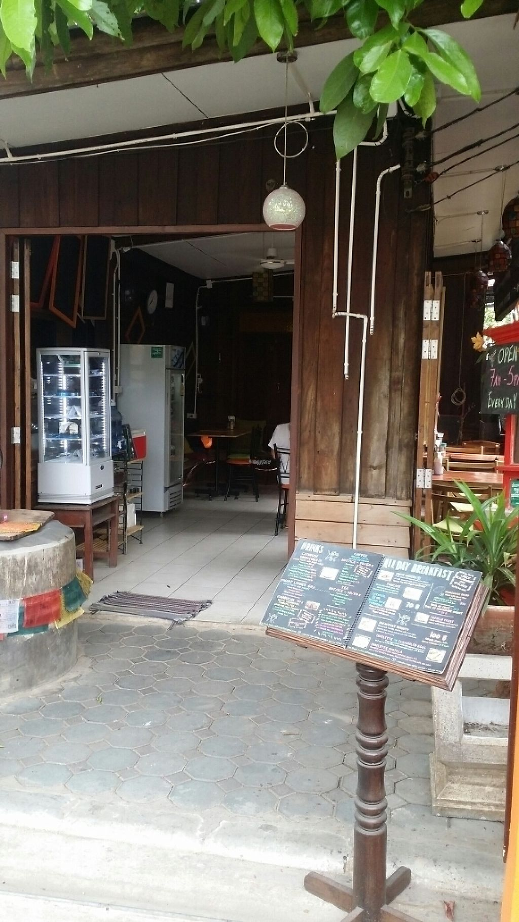 "Photo of Cat House Chiang Mai - Cat Shack  by <a href=""/members/profile/Mike%20Munsie"">Mike Munsie</a> <br/>entrance <br/> April 9, 2017  - <a href='/contact/abuse/image/83233/246083'>Report</a>"
