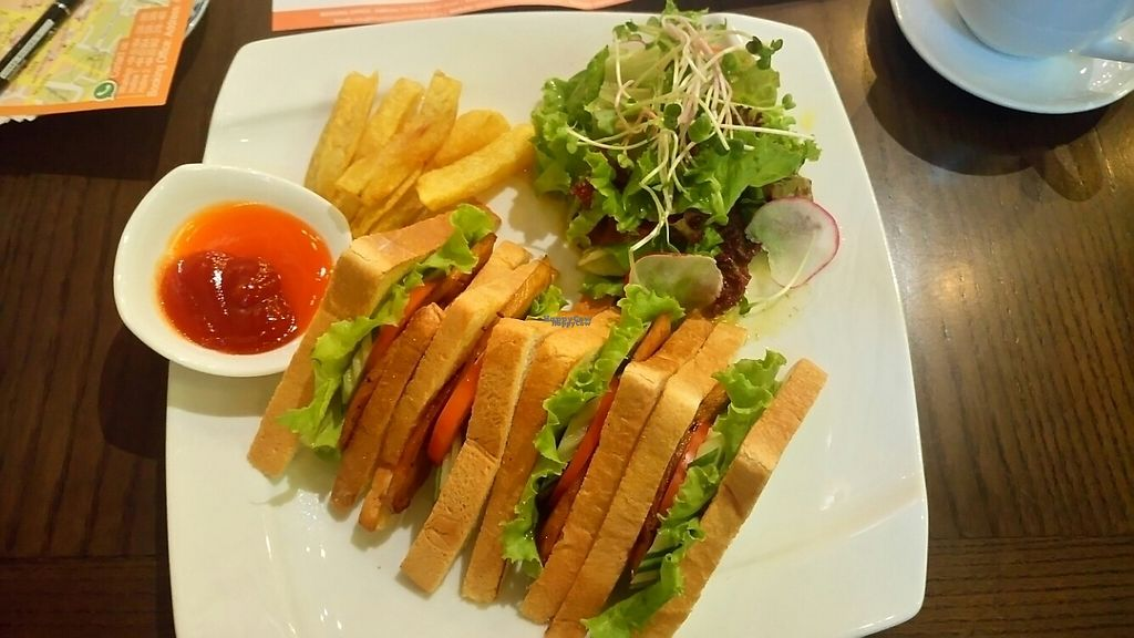 """Photo of Minh Chay - Hang Gai  by <a href=""""/members/profile/CherylKqy"""">CherylKqy</a> <br/>mushroom sandwich  <br/> April 22, 2017  - <a href='/contact/abuse/image/83266/250894'>Report</a>"""