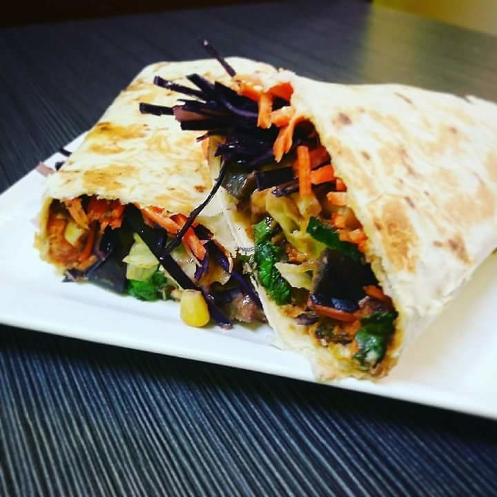 "Photo of Juicy and Tasty  by <a href=""/members/profile/Mam%27sBerkane"">Mam'sBerkane</a> <br/>The wrap ""Saigon"" with chili thai sauce 