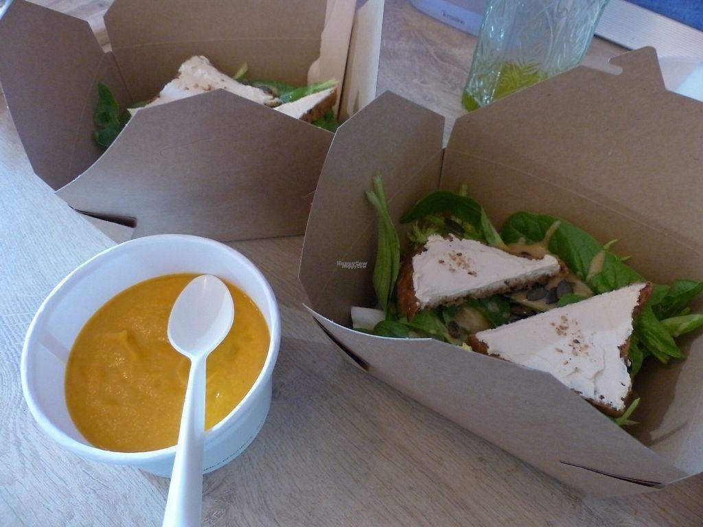 "Photo of Tatie Carotte Food Truck  by <a href=""/members/profile/CarolineSenges"">CarolineSenges</a> <br/>raw carotte soup, salade and home made vegan cheese soupe de carottes cru salade de jeunes pousses et fromage végétal maison <br/> November 28, 2016  - <a href='/contact/abuse/image/83291/195463'>Report</a>"
