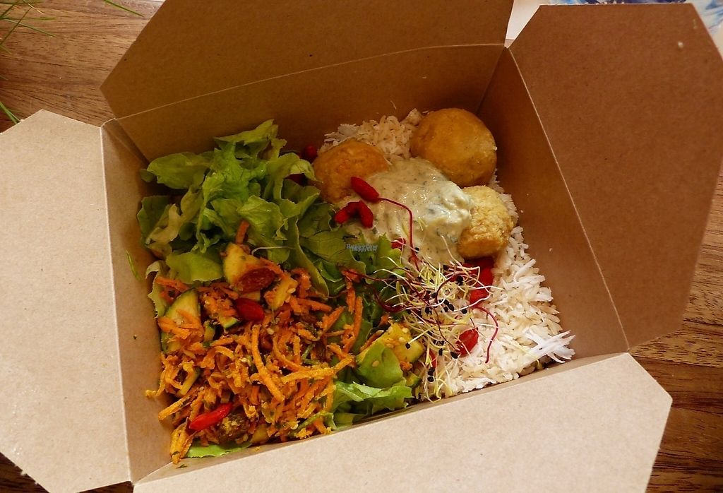 """Photo of Tatie Carotte Food Truck  by <a href=""""/members/profile/CarolineSenges"""">CarolineSenges</a> <br/>indian vegan box  <br/> November 28, 2016  - <a href='/contact/abuse/image/83291/195464'>Report</a>"""