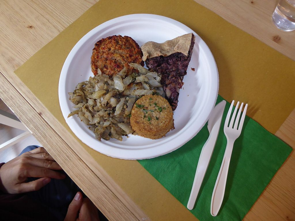 """Photo of Veg Eat  by <a href=""""/members/profile/Forry"""">Forry</a> <br/>4-course meal <br/> October 1, 2017  - <a href='/contact/abuse/image/83364/310642'>Report</a>"""
