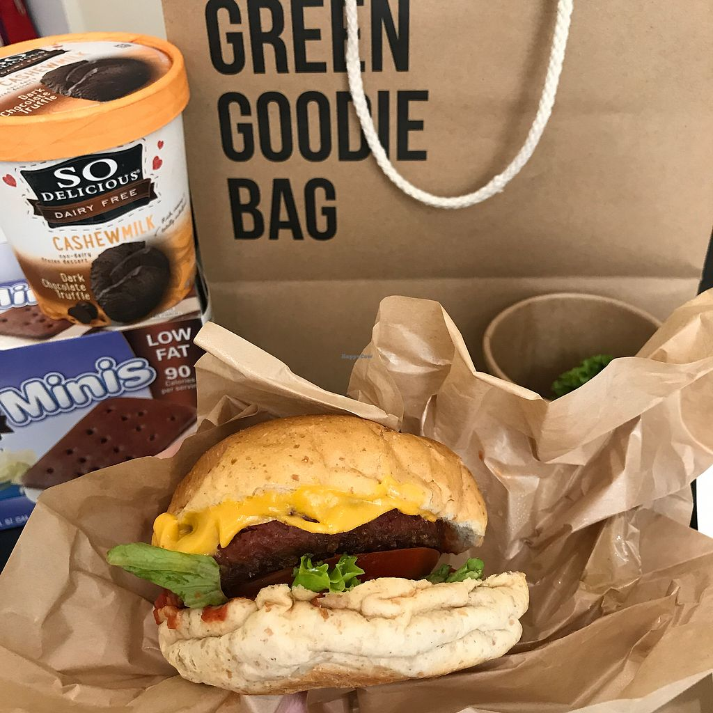"Photo of Green Common - Tsim Sha Tsui  by <a href=""/members/profile/Littleas"">Littleas</a> <br/>beyond meat burger and ice cream <br/> June 30, 2017  - <a href='/contact/abuse/image/83392/274989'>Report</a>"