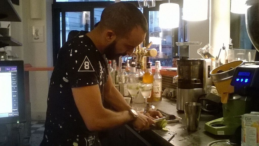 """Photo of Le Faitout Vegan  by <a href=""""/members/profile/Sylvane"""">Sylvane</a> <br/>The nice waiter prepares a cocktail <br/> June 26, 2017  - <a href='/contact/abuse/image/83489/273622'>Report</a>"""