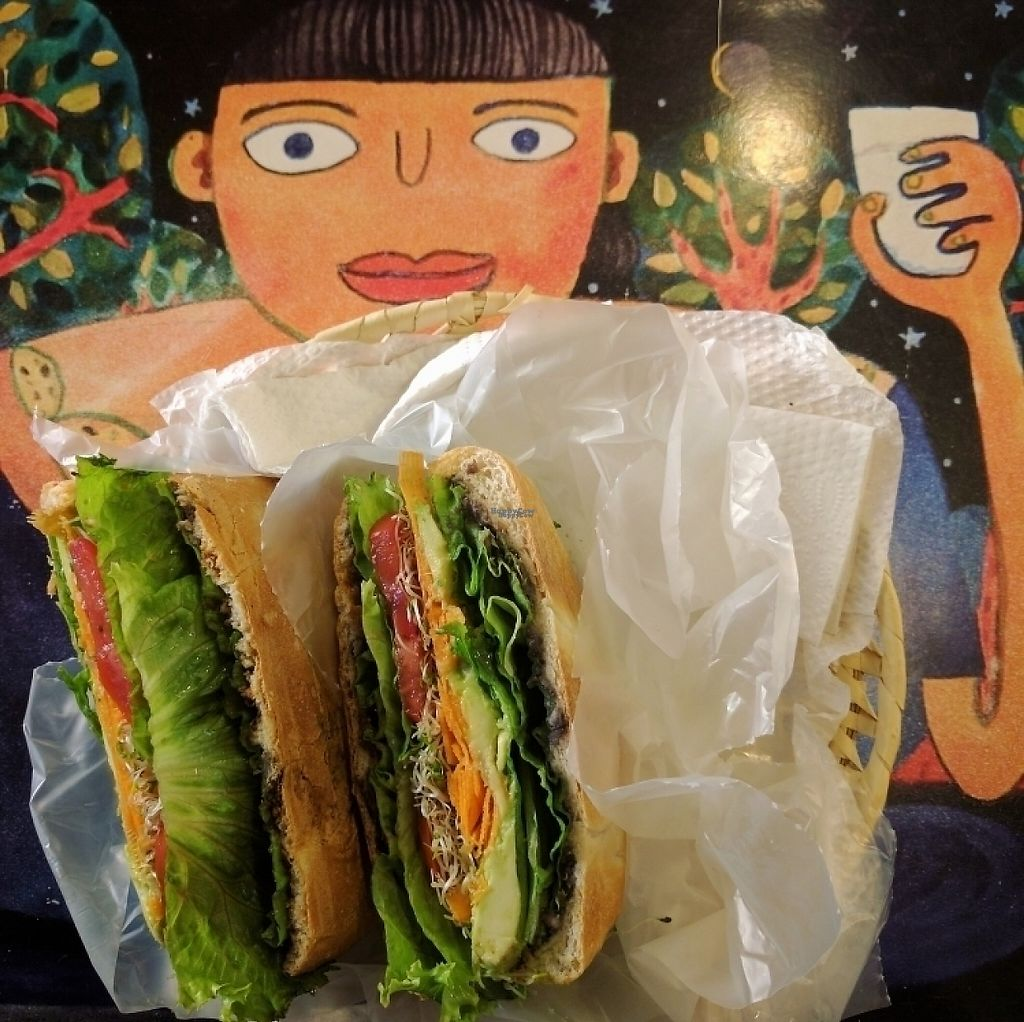 """Photo of Naranja Dulce  by <a href=""""/members/profile/swissglobetrotter"""">swissglobetrotter</a> <br/>Vegan sandwich <br/> December 21, 2016  - <a href='/contact/abuse/image/83492/203833'>Report</a>"""
