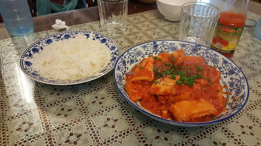 """Photo of Ho Lo Quan  by <a href=""""/members/profile/yehadut"""">yehadut</a> <br/>Fried tofu with tomato with onion. Đậu Hủ Sốt Cà <br/> December 4, 2016  - <a href='/contact/abuse/image/83543/197121'>Report</a>"""