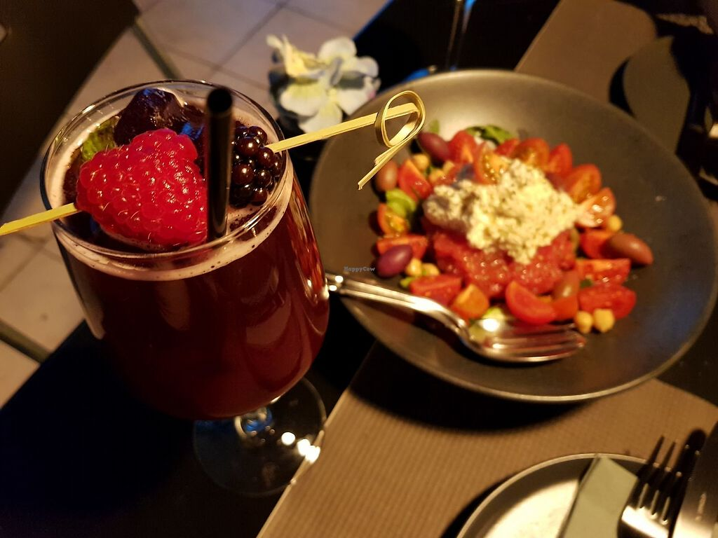 "Photo of Lime Bistro  by <a href=""/members/profile/KeniaMelo"">KeniaMelo</a> <br/>Extend Summer cocktail and dakos salad <br/> November 6, 2017  - <a href='/contact/abuse/image/83564/322732'>Report</a>"