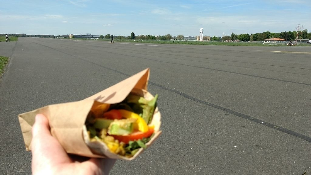 "Photo of Board'Eau  by <a href=""/members/profile/Jamie4444"">Jamie4444</a> <br/>Wrap with Tempelhofer Feld in the background  <br/> May 22, 2017  - <a href='/contact/abuse/image/83592/261565'>Report</a>"