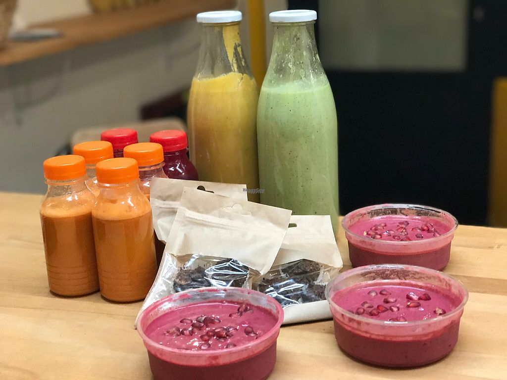 "Photo of Love Me Cru  by <a href=""/members/profile/dadalovemecru"">dadalovemecru</a> <br/>Cold fresh pressed juices and smoothies. Energy balls <br/> February 28, 2017  - <a href='/contact/abuse/image/83594/231360'>Report</a>"
