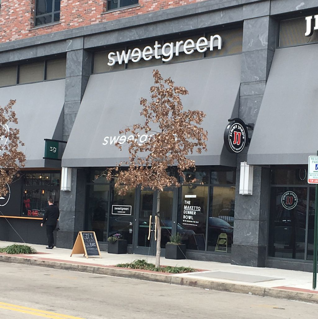 """Photo of sweetgreen  by <a href=""""/members/profile/nardanddee"""">nardanddee</a> <br/>exterior <br/> December 21, 2016  - <a href='/contact/abuse/image/83638/203916'>Report</a>"""