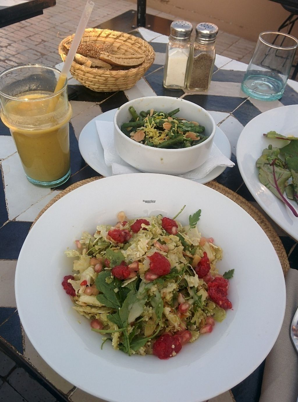 """Photo of NOMAD  by <a href=""""/members/profile/EarthlingAndrea"""">EarthlingAndrea</a> <br/>Avocado, orange and date smoothie. Coliflower salad with fruit and green beans <br/> December 10, 2016  - <a href='/contact/abuse/image/83652/198881'>Report</a>"""