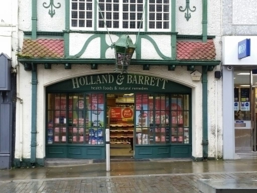 """Photo of Holland and Barrett  by <a href=""""/members/profile/eric"""">eric</a> <br/>outside <br/> July 16, 2016  - <a href='/contact/abuse/image/8368/160170'>Report</a>"""