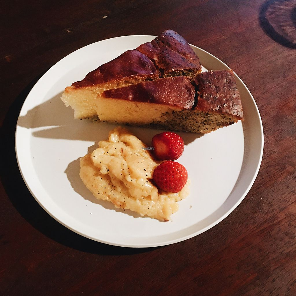 """Photo of Apelila  by <a href=""""/members/profile/animaliakirstea"""">animaliakirstea</a> <br/>Cake with homemade soy cream and strawberries  <br/> April 11, 2017  - <a href='/contact/abuse/image/83698/246870'>Report</a>"""