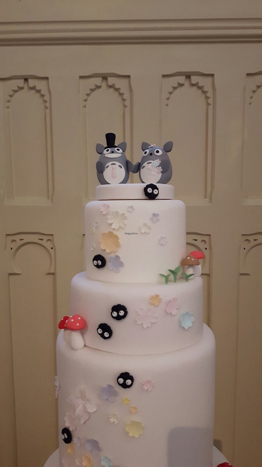 "Photo of Tiny Sarah's Cakes  by <a href=""/members/profile/kasakaa"">kasakaa</a> <br/>Totoro Wedding Cake - toppers <br/> April 19, 2018  - <a href='/contact/abuse/image/83763/388154'>Report</a>"