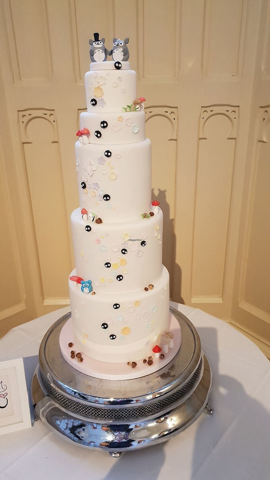 "Photo of Tiny Sarah's Cakes  by <a href=""/members/profile/kasakaa"">kasakaa</a> <br/>Totoro Wedding cake <br/> April 19, 2018  - <a href='/contact/abuse/image/83763/388155'>Report</a>"