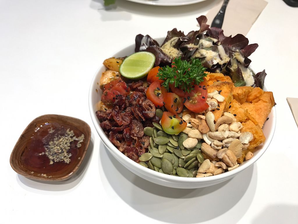 """Photo of Veganerie - Siam Paragon  by <a href=""""/members/profile/YAGU2910"""">YAGU2910</a> <br/>Quinoa salad <br/> October 11, 2017  - <a href='/contact/abuse/image/83823/314160'>Report</a>"""