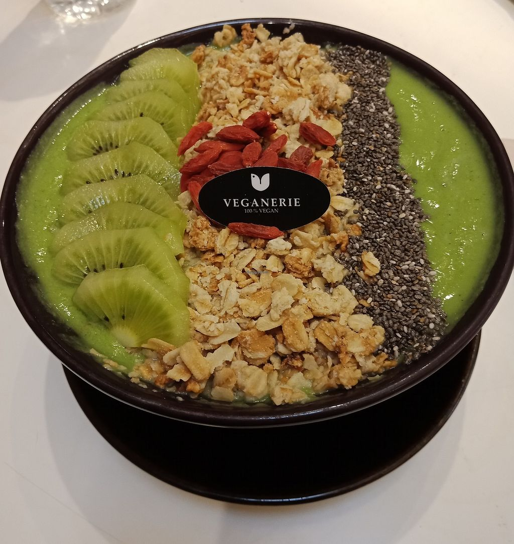 """Photo of Veganerie - Siam Paragon  by <a href=""""/members/profile/GerryT"""">GerryT</a> <br/>The kale kiwi smoothie bowl <br/> March 21, 2018  - <a href='/contact/abuse/image/83823/373999'>Report</a>"""