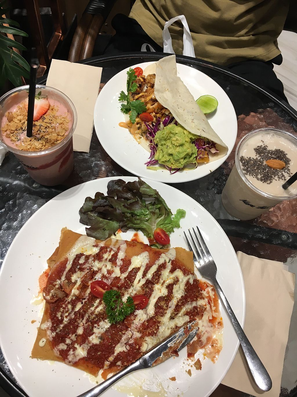 """Photo of Veganerie - Siam Paragon  by <a href=""""/members/profile/Tisa93"""">Tisa93</a> <br/>Best meal ever  <br/> April 12, 2018  - <a href='/contact/abuse/image/83823/384592'>Report</a>"""