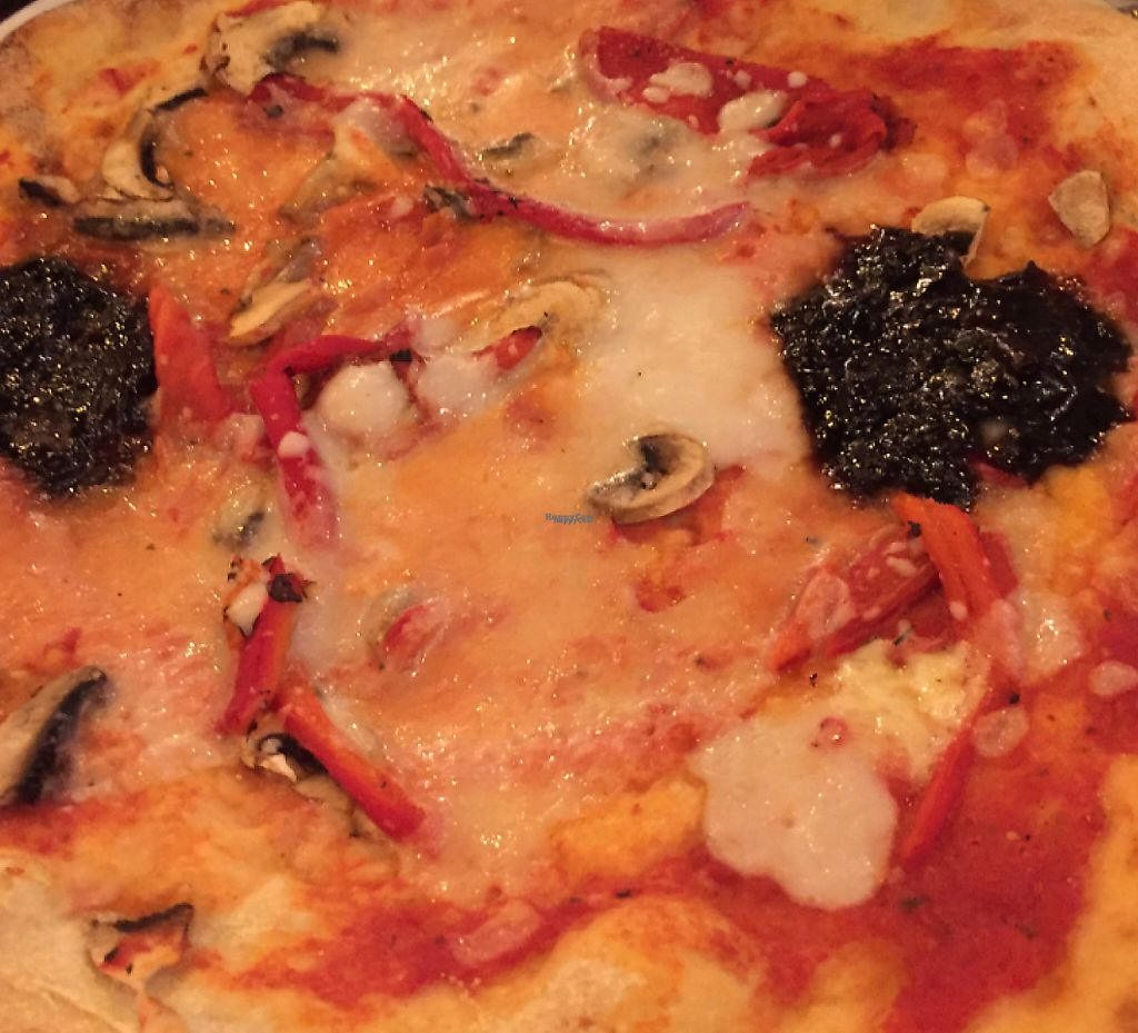 """Photo of Zizzi  by <a href=""""/members/profile/Shemille"""">Shemille</a> <br/>balsamic onions, mushrooms, roasted peppers and vegan cheese.  <br/> February 17, 2017  - <a href='/contact/abuse/image/83829/239564'>Report</a>"""
