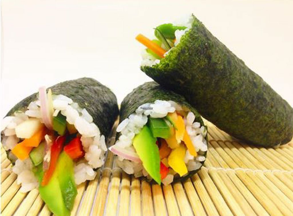 """Photo of Veg & Soul  by <a href=""""/members/profile/Veg%26Soul"""">Veg&Soul</a> <br/>sushis armados delicia !!! con salsas varias <br/> February 11, 2017  - <a href='/contact/abuse/image/83833/225368'>Report</a>"""