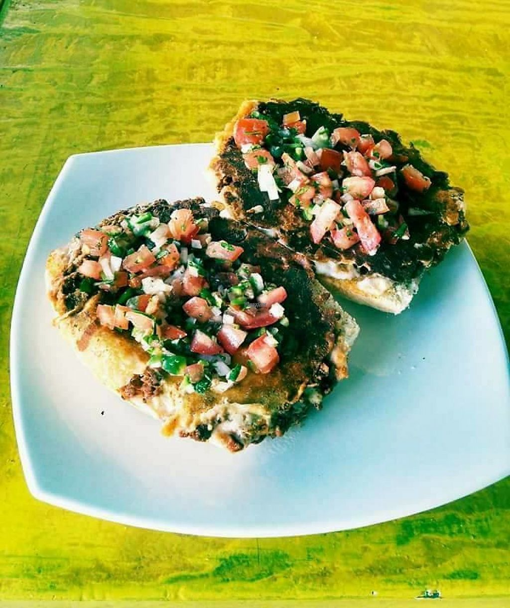 "Photo of Amarillo Limón  by <a href=""/members/profile/community"">community</a> <br/>Muffins with mushrooms accompanied by pico de gallo <br/> December 10, 2016  - <a href='/contact/abuse/image/83841/199168'>Report</a>"