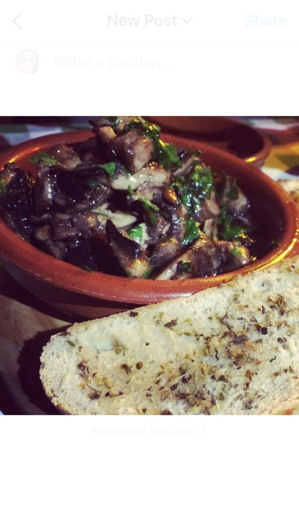 "Photo of La Casseruola  by <a href=""/members/profile/EmmaSchofield"">EmmaSchofield</a> <br/>Garlic mushrooms  <br/> June 2, 2017  - <a href='/contact/abuse/image/83870/265088'>Report</a>"
