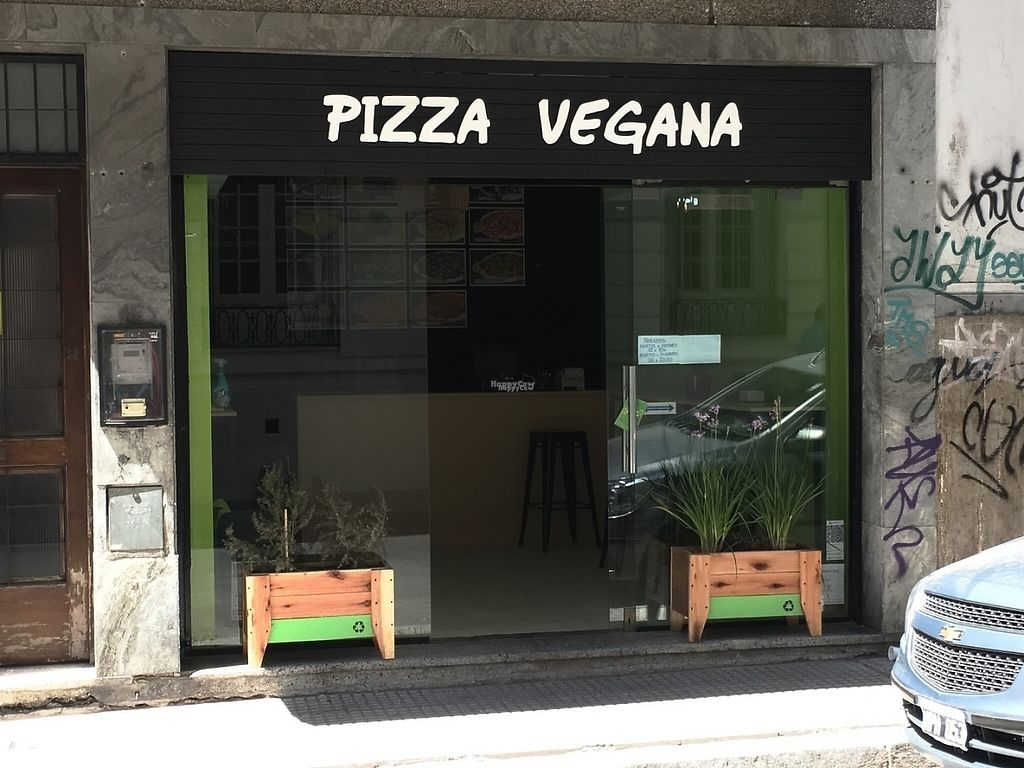 "Photo of Pizza Vegana - San Telmo   by <a href=""/members/profile/EstebanPV"">EstebanPV</a> <br/>Front of the pizzeria <br/> December 21, 2016  - <a href='/contact/abuse/image/83905/203880'>Report</a>"