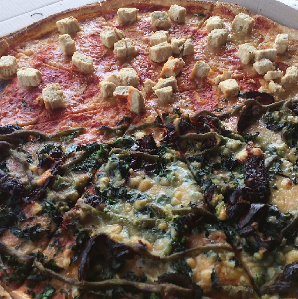 """Photo of Hell Pizza  by <a href=""""/members/profile/Siup"""">Siup</a> <br/>c <br/> December 13, 2016  - <a href='/contact/abuse/image/83966/200834'>Report</a>"""