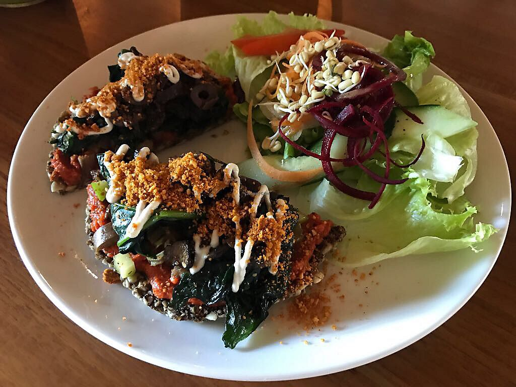 """Photo of Sayuri Healing Food  by <a href=""""/members/profile/Ali.T"""">Ali.T</a> <br/>raw pizza, amazing! and so filling  <br/> July 17, 2017  - <a href='/contact/abuse/image/83973/281348'>Report</a>"""