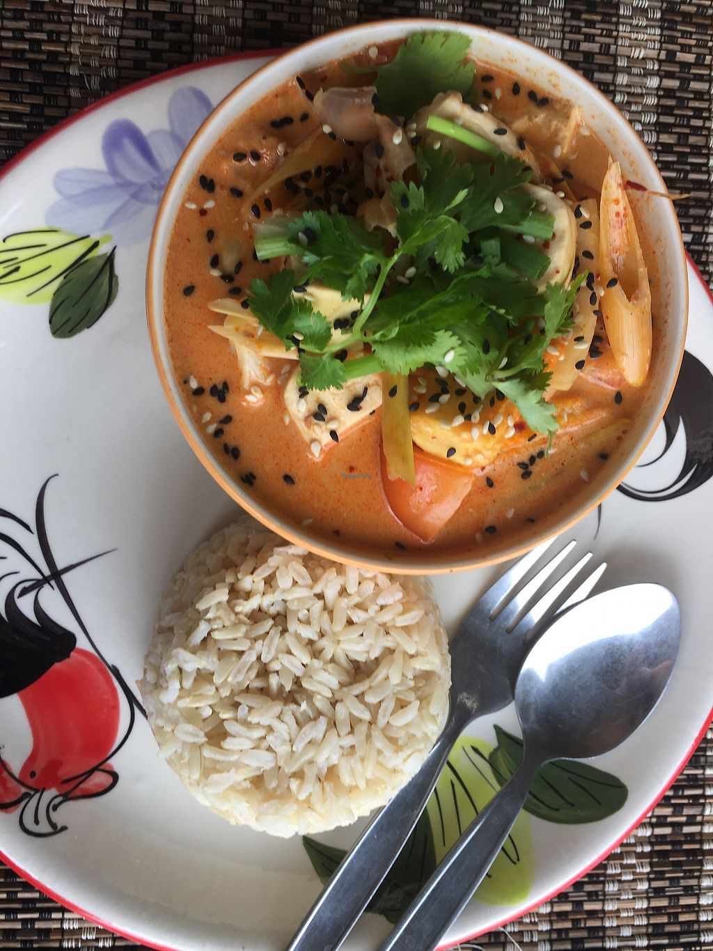 """Photo of Happy Veggie  by <a href=""""/members/profile/___potayto"""">___potayto</a> <br/>Tom yum soup <br/> November 4, 2017  - <a href='/contact/abuse/image/83999/321718'>Report</a>"""