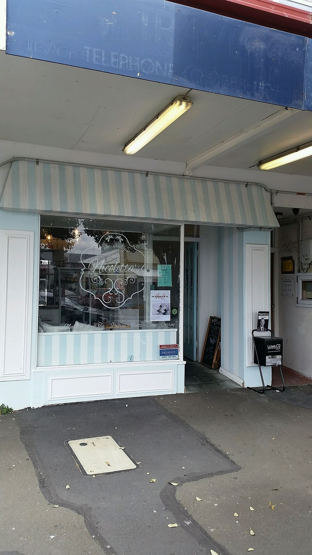 """Photo of Nicoletta's Cake Boutique  by <a href=""""/members/profile/AndyTheVWDude"""">AndyTheVWDude</a> <br/>Nicoletta's Bakery, Park Rd Miramar <br/> November 25, 2017  - <a href='/contact/abuse/image/84028/328919'>Report</a>"""
