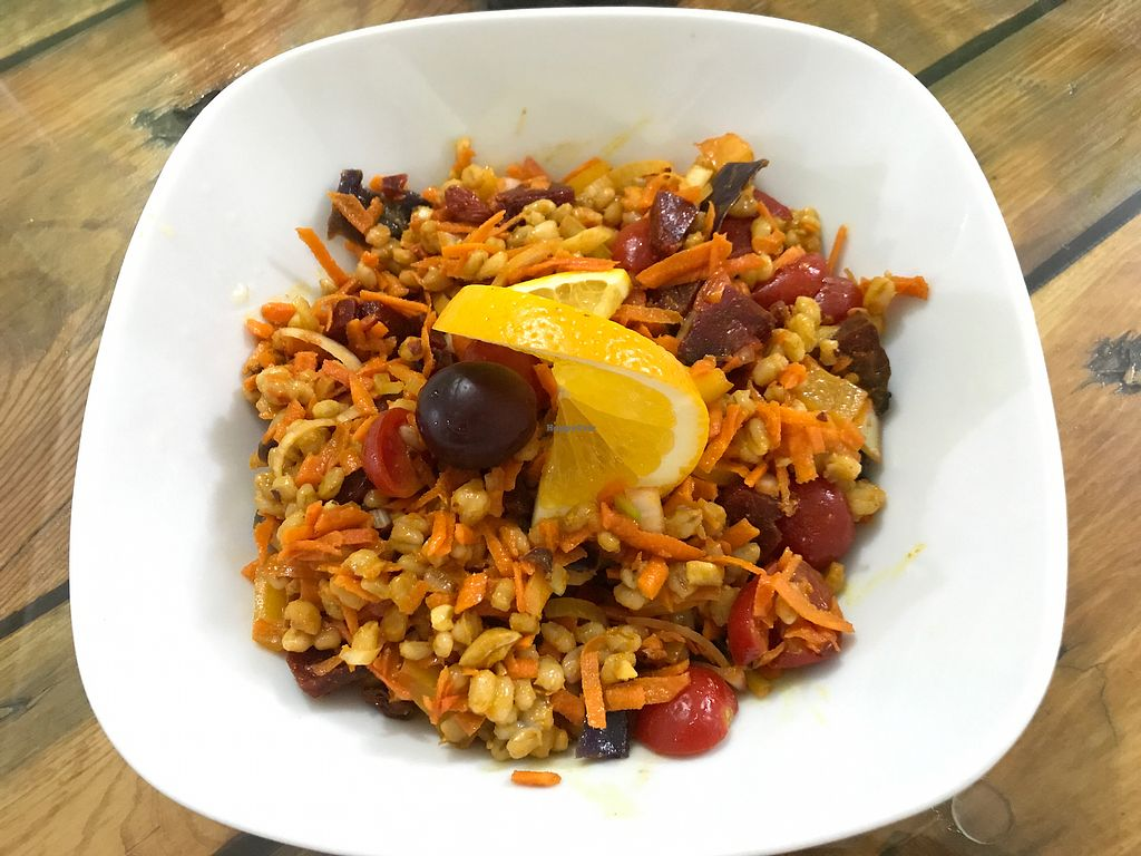 "Photo of GreenMood  by <a href=""/members/profile/AquamanX"">AquamanX</a> <br/>Red salad with spicy barley, perfect with an orange pineapple lemon smoothie <br/> September 13, 2017  - <a href='/contact/abuse/image/84080/303944'>Report</a>"