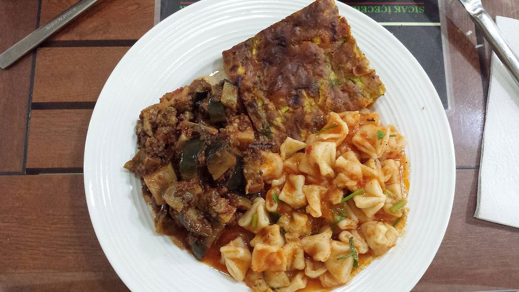 """Photo of Vegan Istanbul  by <a href=""""/members/profile/NievesR"""">NievesR</a> <br/>Zucchini pie, tomato pasta and eggplant with texturized soja <br/> July 28, 2017  - <a href='/contact/abuse/image/84083/285747'>Report</a>"""