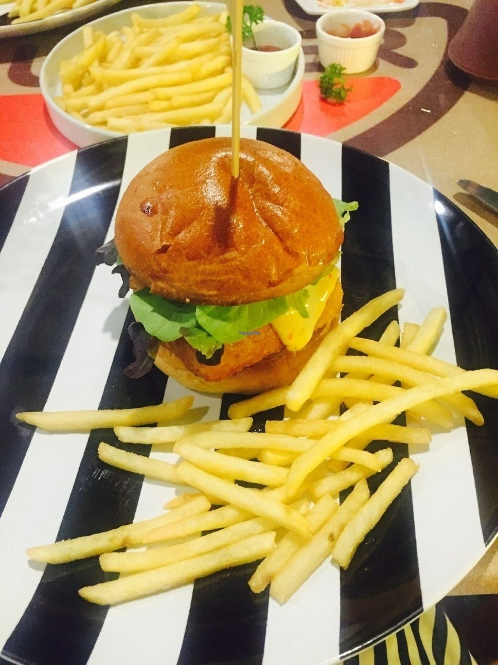 """Photo of 31burger  by <a href=""""/members/profile/Katface"""">Katface</a> <br/>Mac and cheese burger  <br/> March 13, 2017  - <a href='/contact/abuse/image/84162/235748'>Report</a>"""