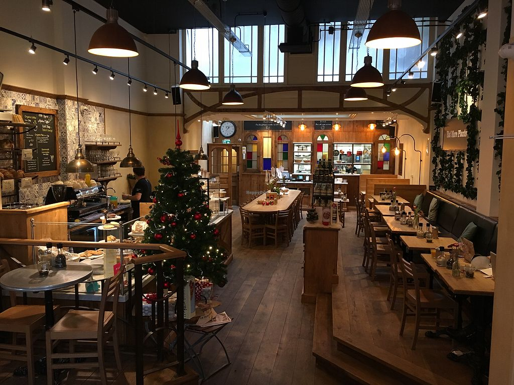 "Photo of Le Pain Quotidien - Nieuwezijds  by <a href=""/members/profile/hack_man"">hack_man</a> <br/>Inside  <br/> January 2, 2018  - <a href='/contact/abuse/image/84213/341984'>Report</a>"