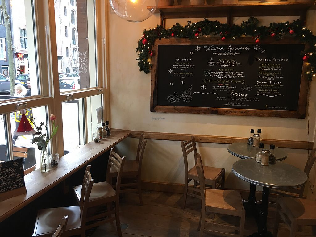 "Photo of Le Pain Quotidien - Nieuwezijds  by <a href=""/members/profile/hack_man"">hack_man</a> <br/>Inside  <br/> January 2, 2018  - <a href='/contact/abuse/image/84213/341986'>Report</a>"